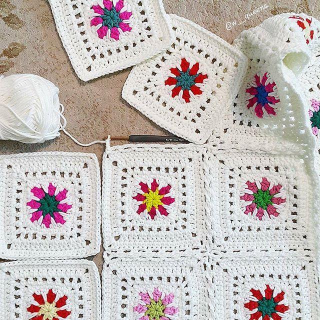 #crochetmotif #crochetflower #crocheting #grannysquare #crochetlove #instacrochet #crochetblanket #colorfulcrochet #crocheted