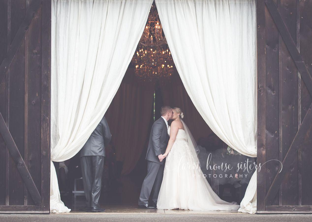 Romantic Rutic Wedding Photography Ideas