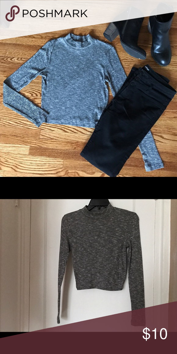 ✨NEW✨ Grey Mock Neck Long Sleeve Crop Top Like new! Melangé Grey long sleeve crop top. Ribbed knit fabric and mock neck. Great for going out. Charlotte Russe Tops Crop Tops