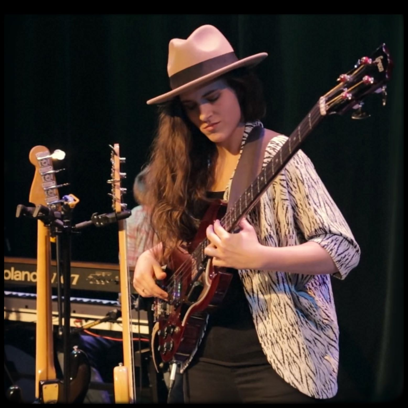 Ladies that Rock! | Female guitarist, Rock and roll girl