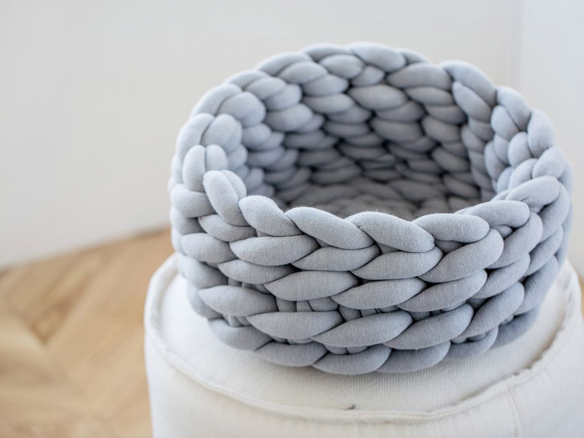 tricoter une couverture grosse maille. interesting laura with