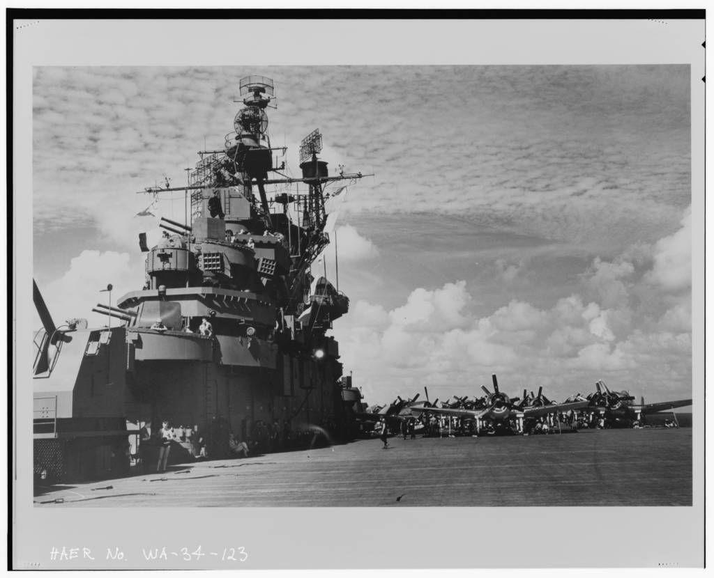 USS Hornet 1944 | September, The battle and Clothing