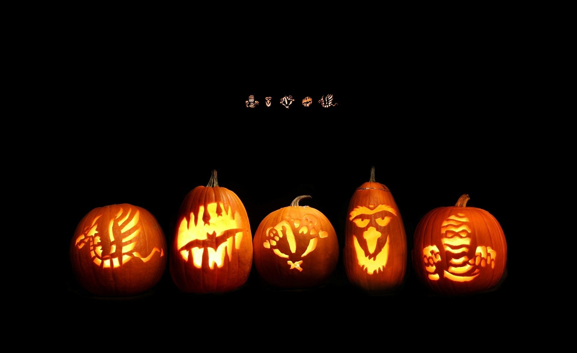 Five Carved Etched Jack O Lanterns Tiny Patterns Above Usable As Widescreen Wallpaper Halloween Facts Halloween Wallpaper Halloween Pictures