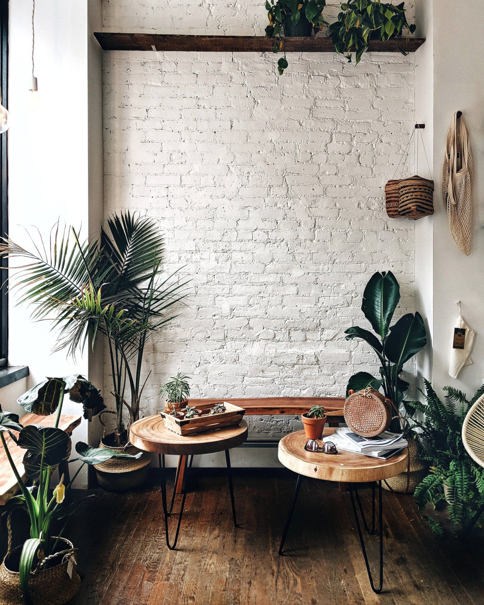 Pin By надежда рой On зал Brick Wall Living Room Brick Interior Wall White Brick Wall Living Room