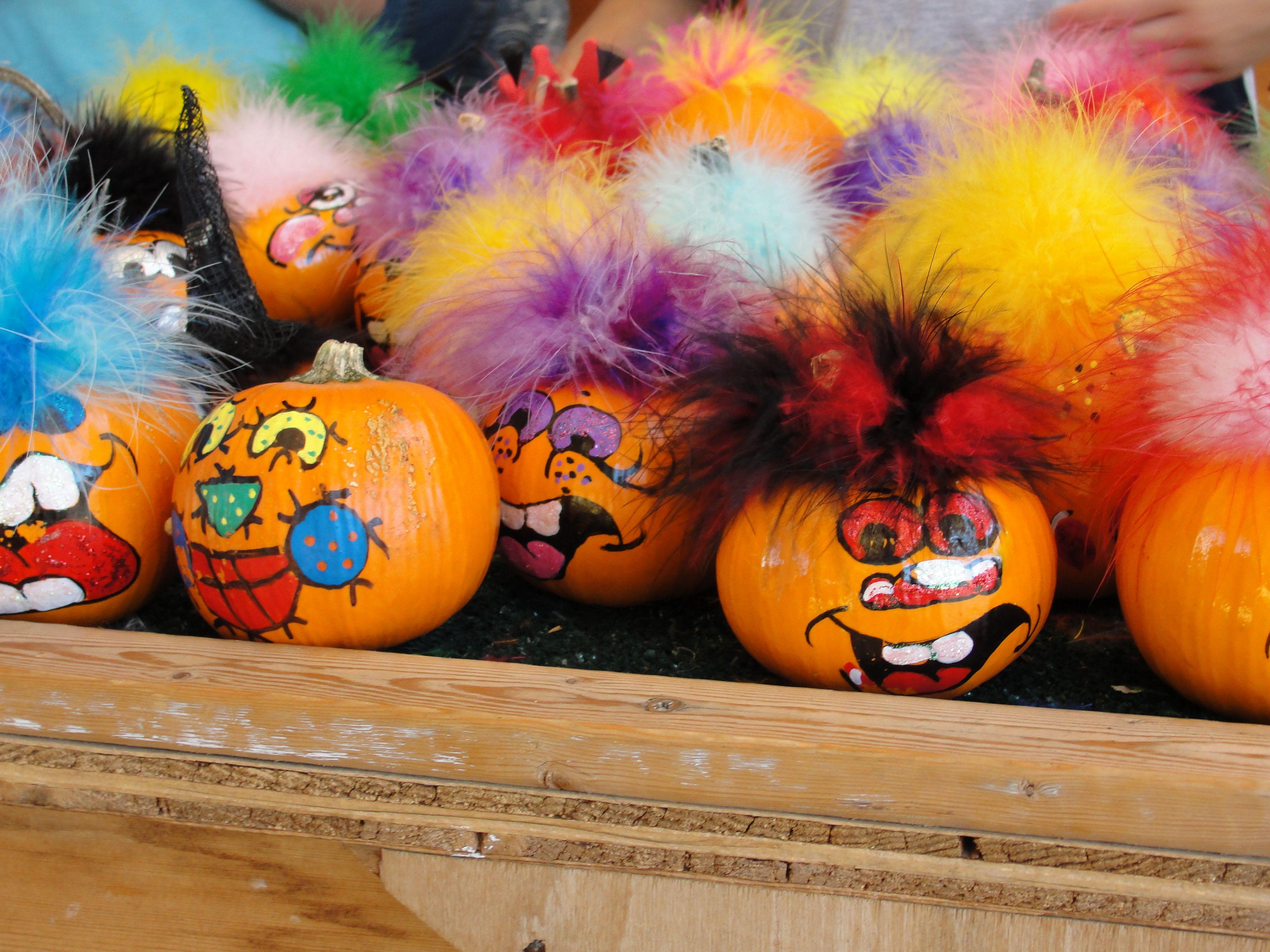 funky hair pumpkins Fall halloween, Halloween wreath