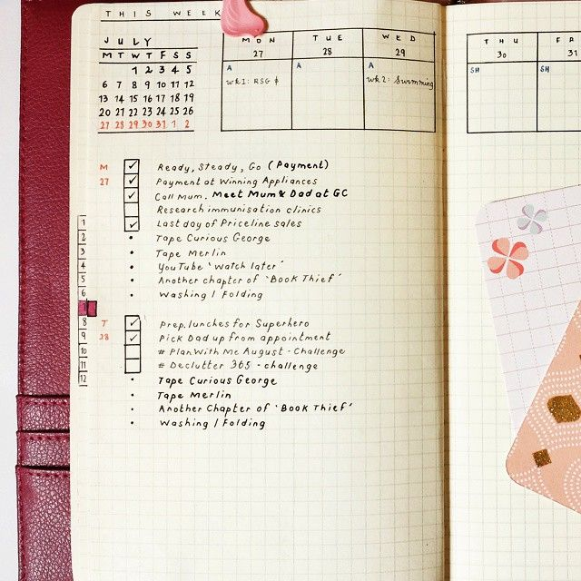 Incorporating A Weekly Calendar View At The Top Of The Page And A