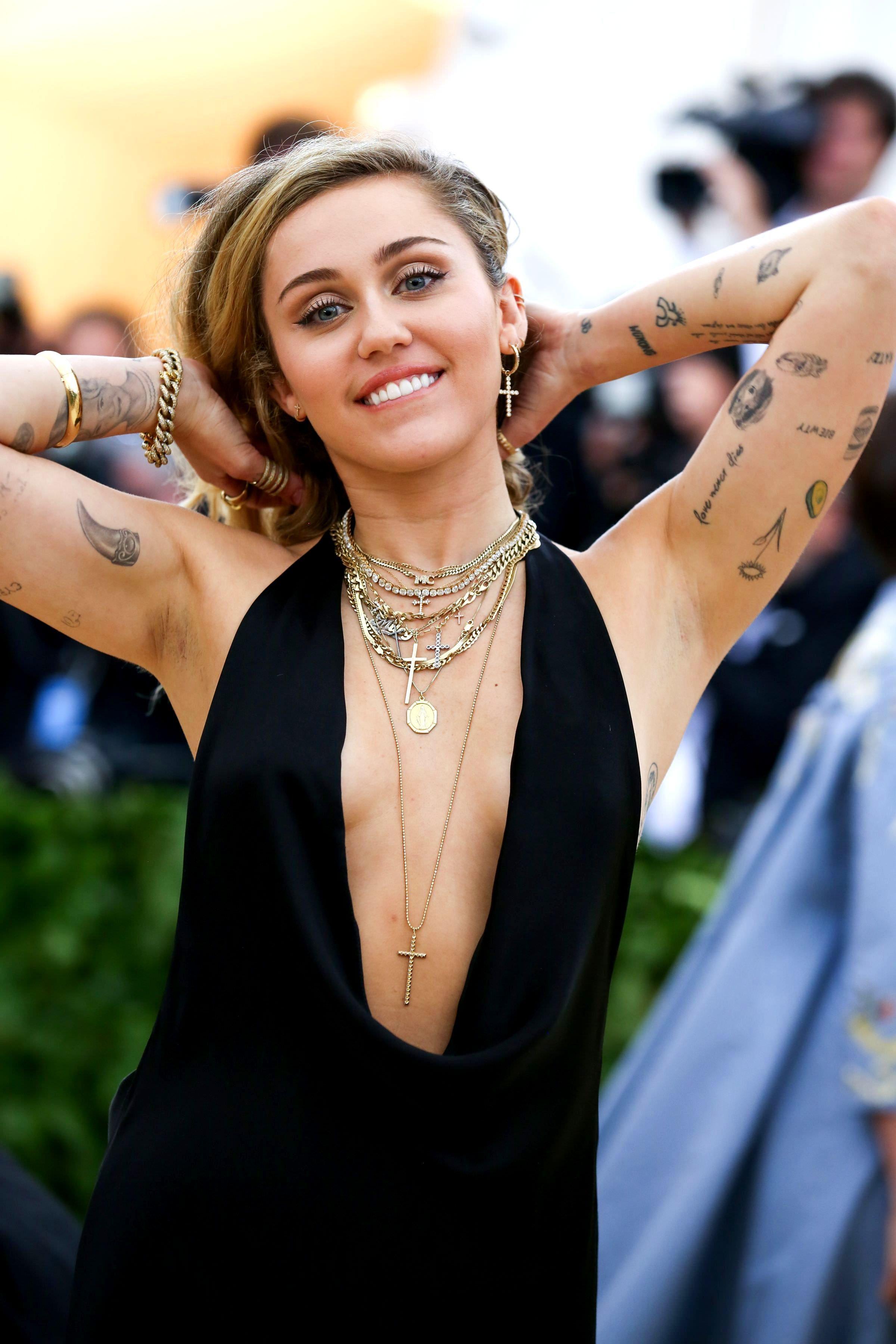 Miley Cyrus Hq