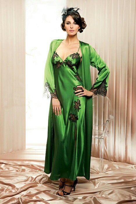 Emerald Green Silk w Black Lace Nightgown   Robe  3ce34b38e