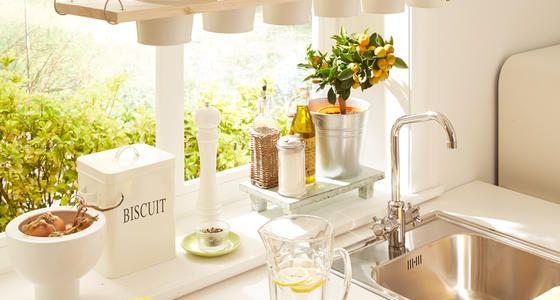 Simple DIY-Idee: Dekoratives Kräuterregal zum Selberbauen