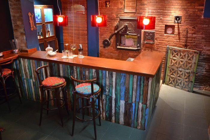 Barra de bar del restaurante degvusta cafeter as for Bar de madera chile