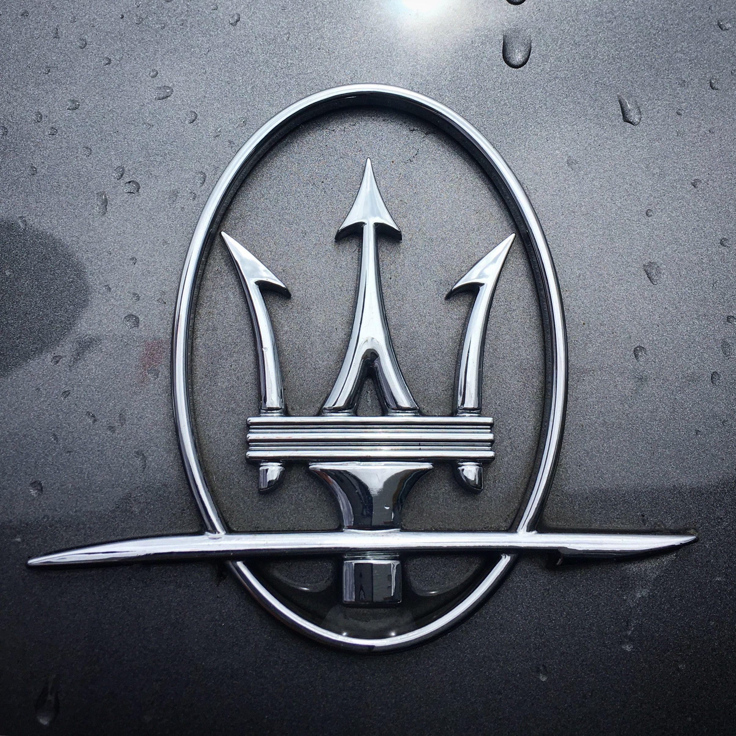 Знак мазерати фото марципана