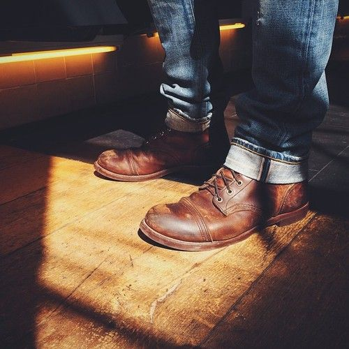 Red Wing Shoes 8111 Iron Rangers in Amber Harness