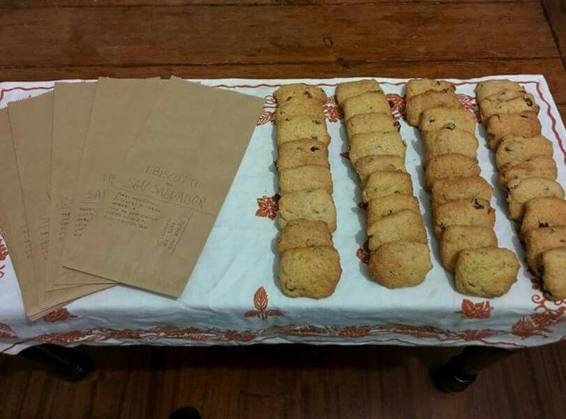 Biscotti pronti!  Questa volta li ha preparati Federico con tanto di #ricetta! Chi vuole provare a rifarli a casa? ✌