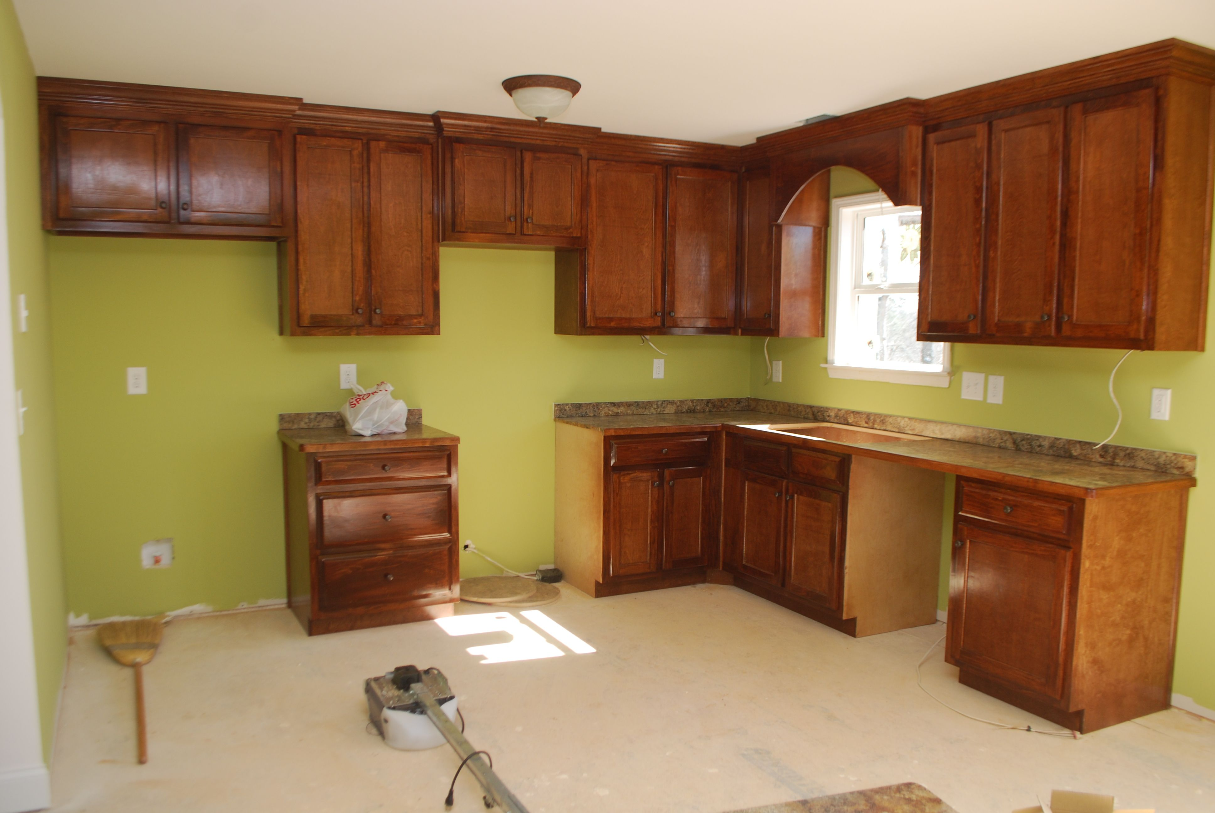 Best Walls Are Benjamin Moore Dill Pickle And The Cabinets Are 400 x 300