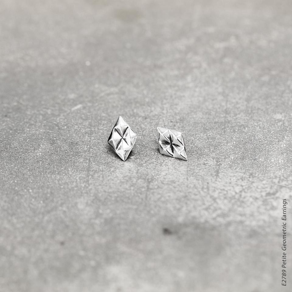 diamond stud in zoom available earrings loading silver shaped cluster