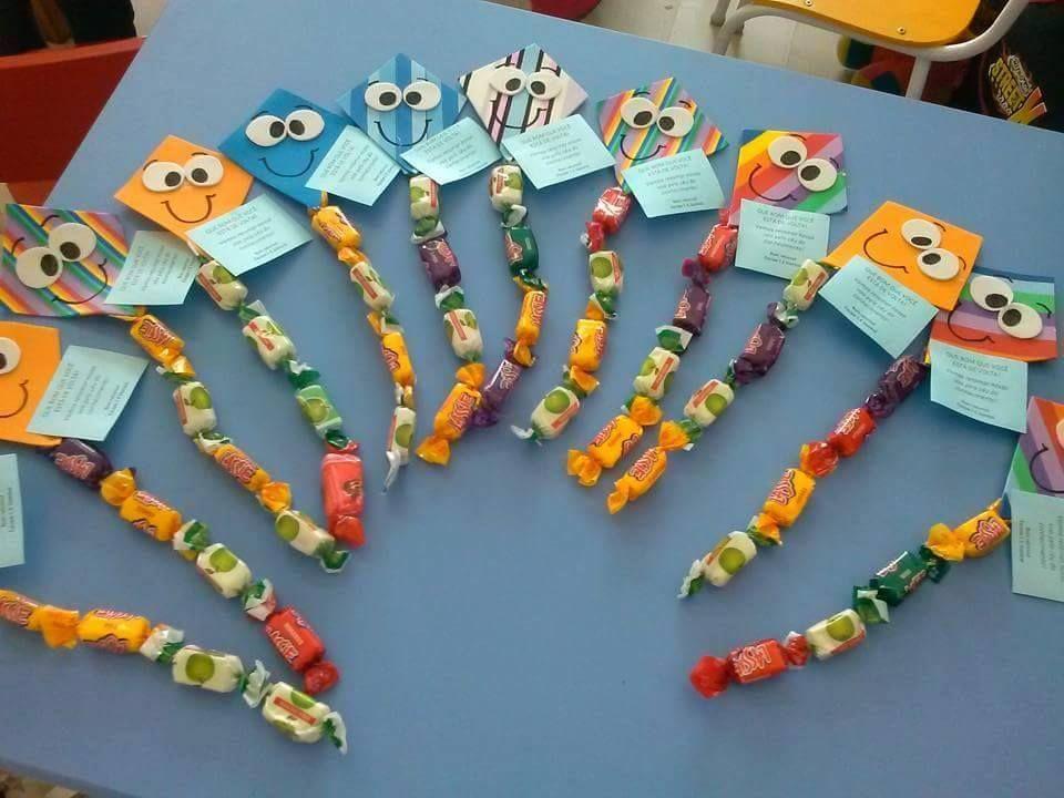 Lembrancinhas de Porta Lápis volta as aulas com moldes em EVA