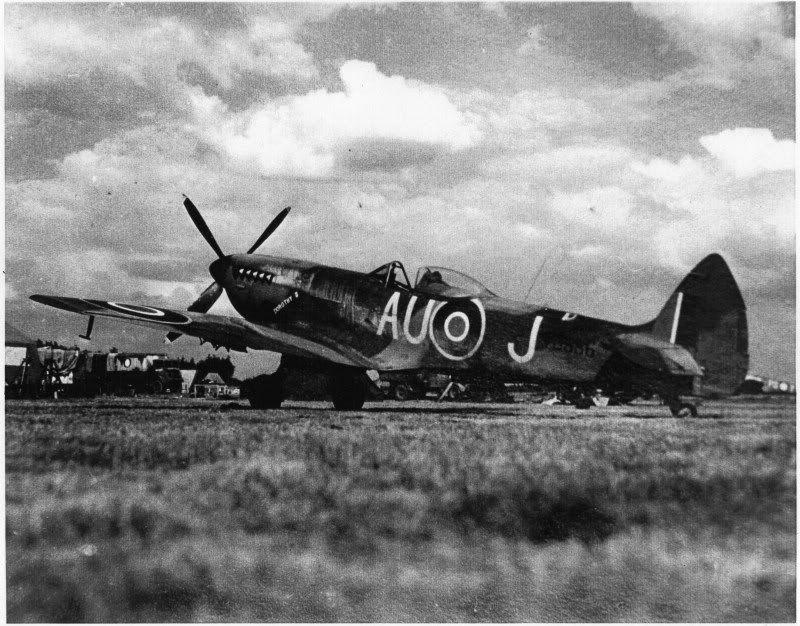 Plane Talking Hyperscale S Aircraft Scale Model Discussion Forum Mk Xvi Spitfire Tb886 Wartime Pics I Added Another Pic Aircraft Fighter Jets Scale Models