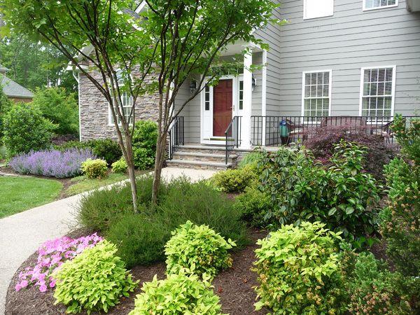 A Garden Around The Front Door Makes Your House A Home Spring