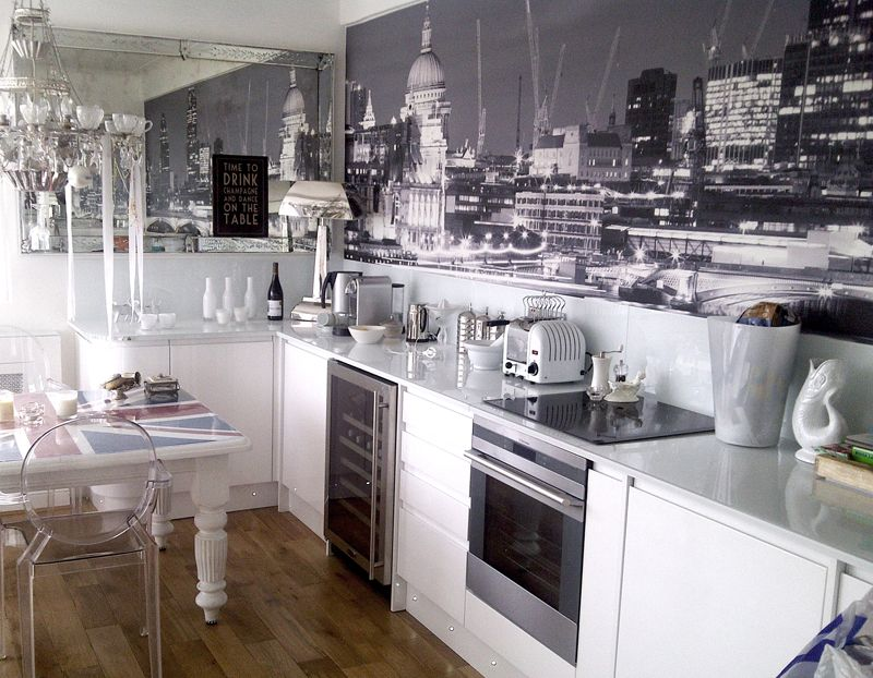 Kitchen With A Black And White London Mural By Murals Wallpaper Co Uk The Monotone Theme Is Cool Contemporary