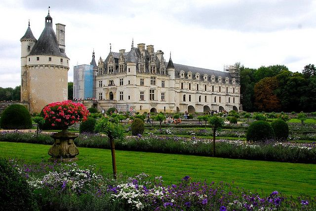 Castle & garden of Chenonceau (Le Château & jardin de Chenonceau) in Loire valley, Central of France (better viewed in large) by natureloving, via Flickr