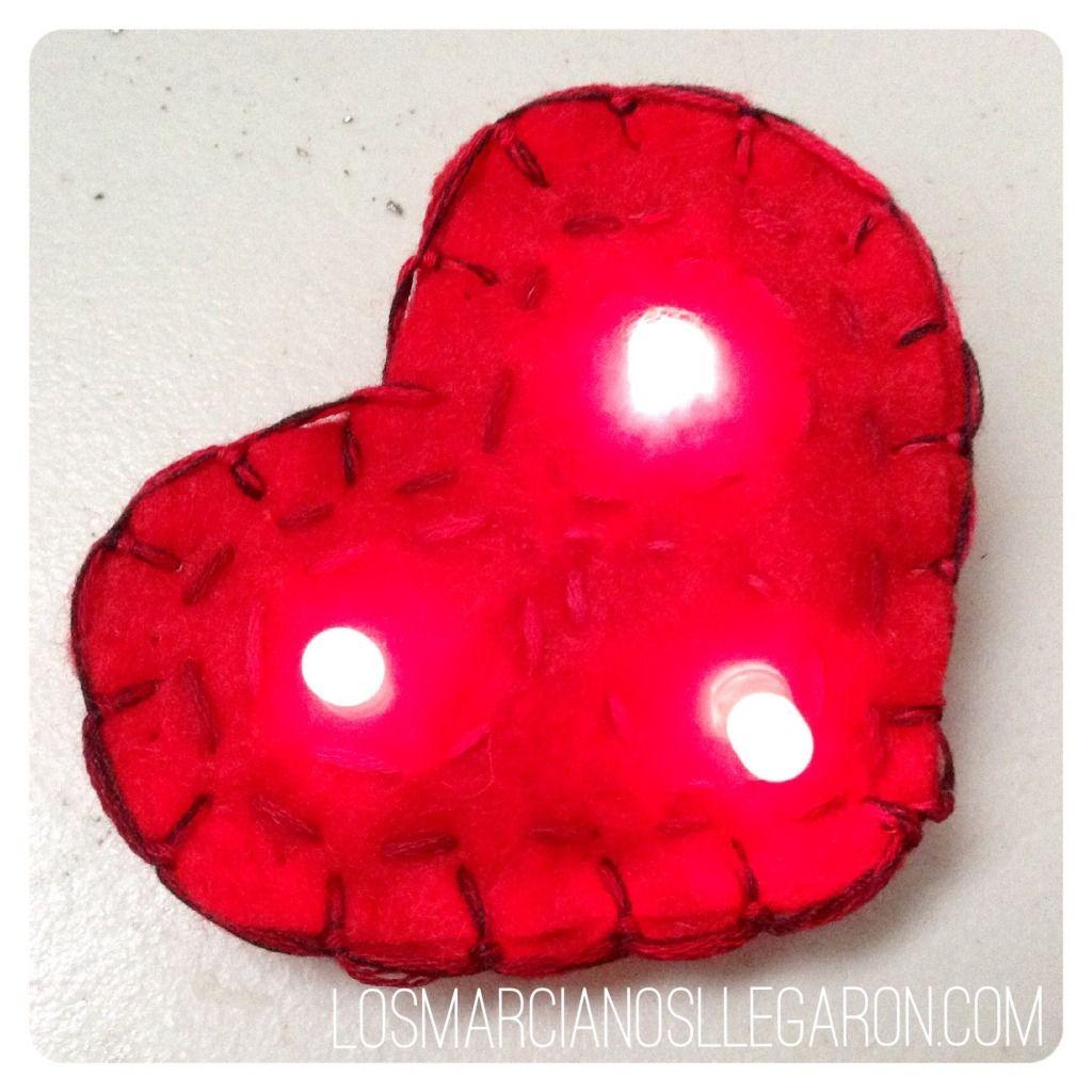 Circuito led en forma de corazón #DIY #Fieltro #Felt #LED #Circuit #Circuito