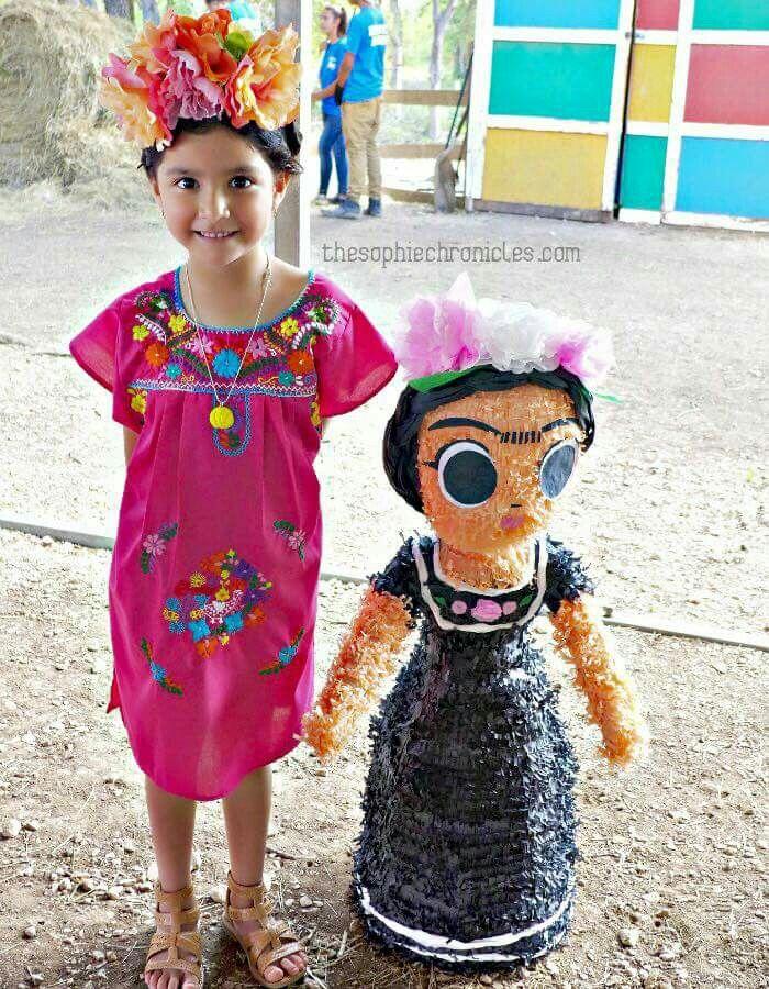 Atuendo y pi ata para cumplea os tem tico de frida kahlo fiestas pinterest - Pinatas de cumpleanos ...