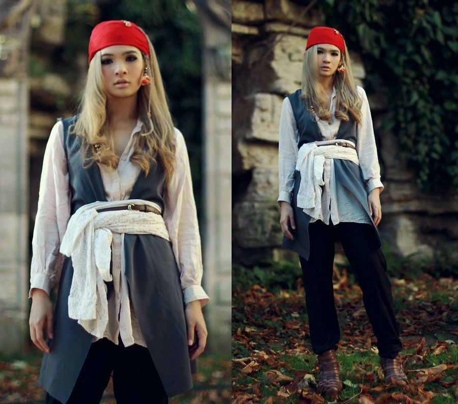 Pirate costume ideas diy pirate costume costumes and check pirate costume ideas diy pirate costume costumes and check solutioingenieria Image collections