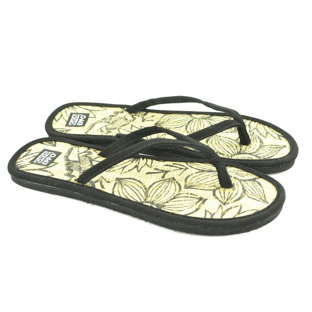 Flip flops planas de entrededo fabricadas con materiales de tejido, suelas de goma y plantilla con detalles de la marca GIOSEPPO.