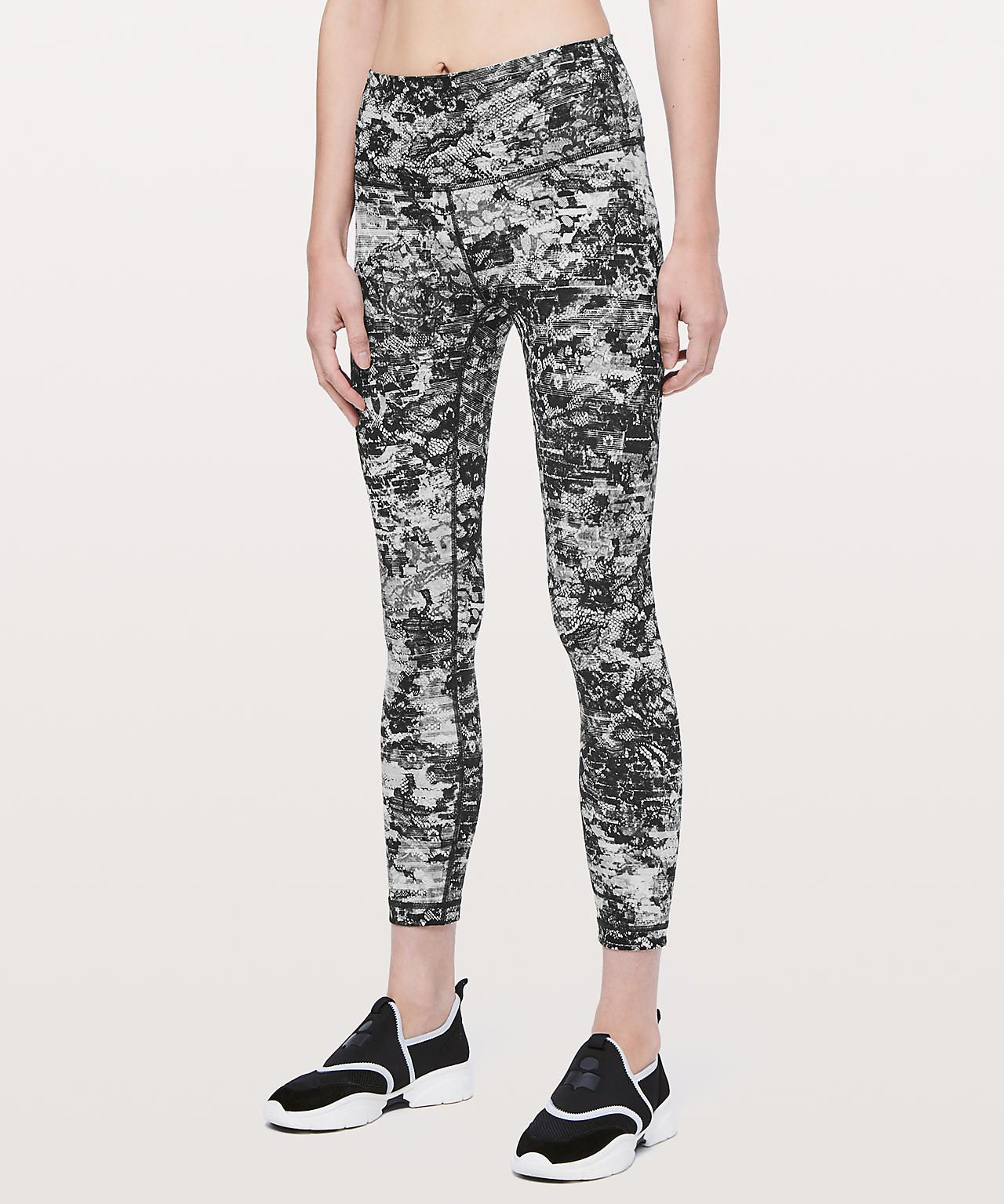 381e859911e61 Lululemon leggings (size 6) preferably in a dark colour (pattern or no  pattern), 7/8 or full length