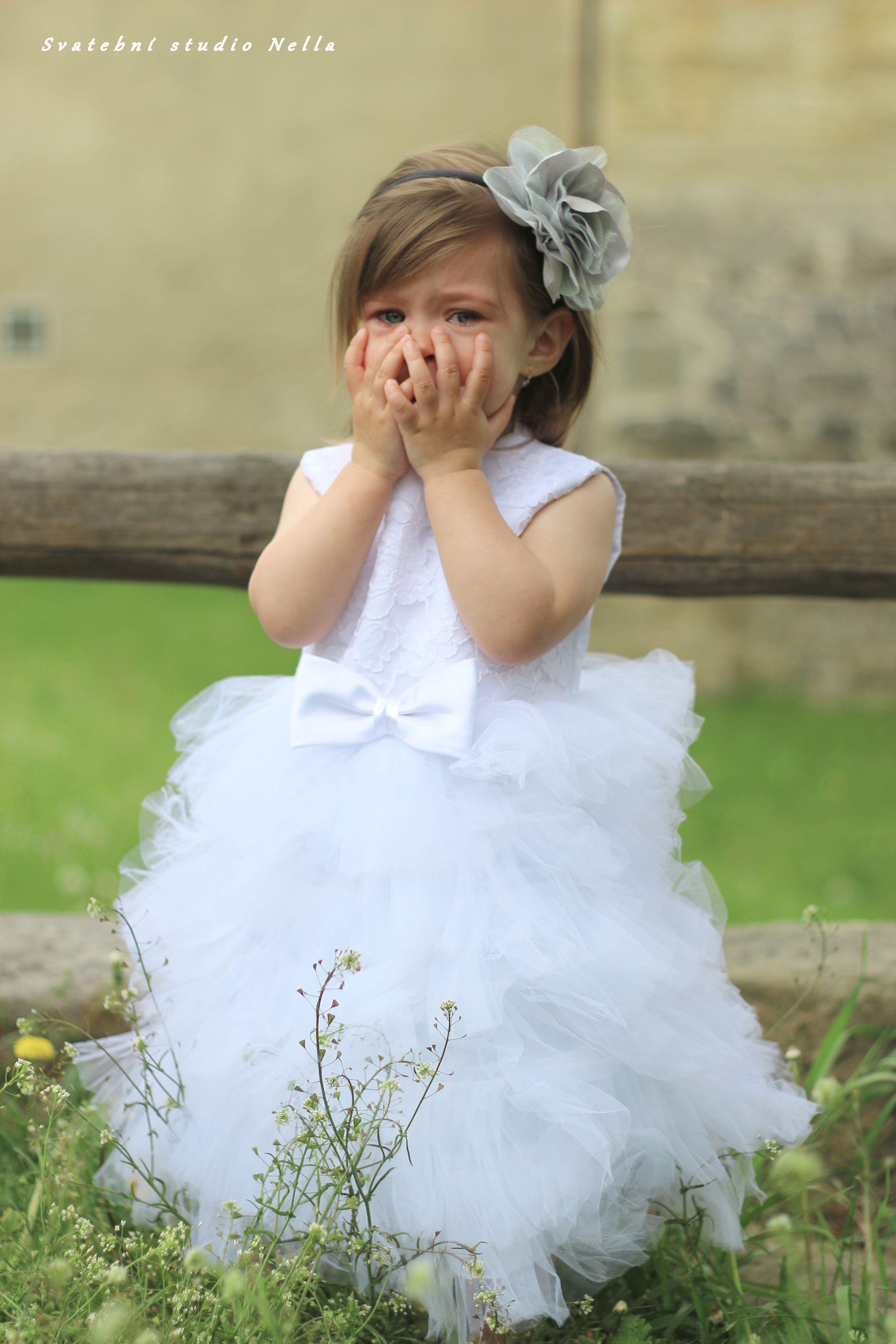 Dětské bílé šaty na svatbu - dětské šaty pro družičky - Půjčovna šatů-  Svatební studio Nella- Česká Lípa 687c573ab1