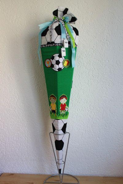 Schultuten Schultute Zuckertute Fussballer 85cm Roth Rohling Ein Designerstuck Von Handmade By Glueckskinder Bei Dawanda Schultute Basteln