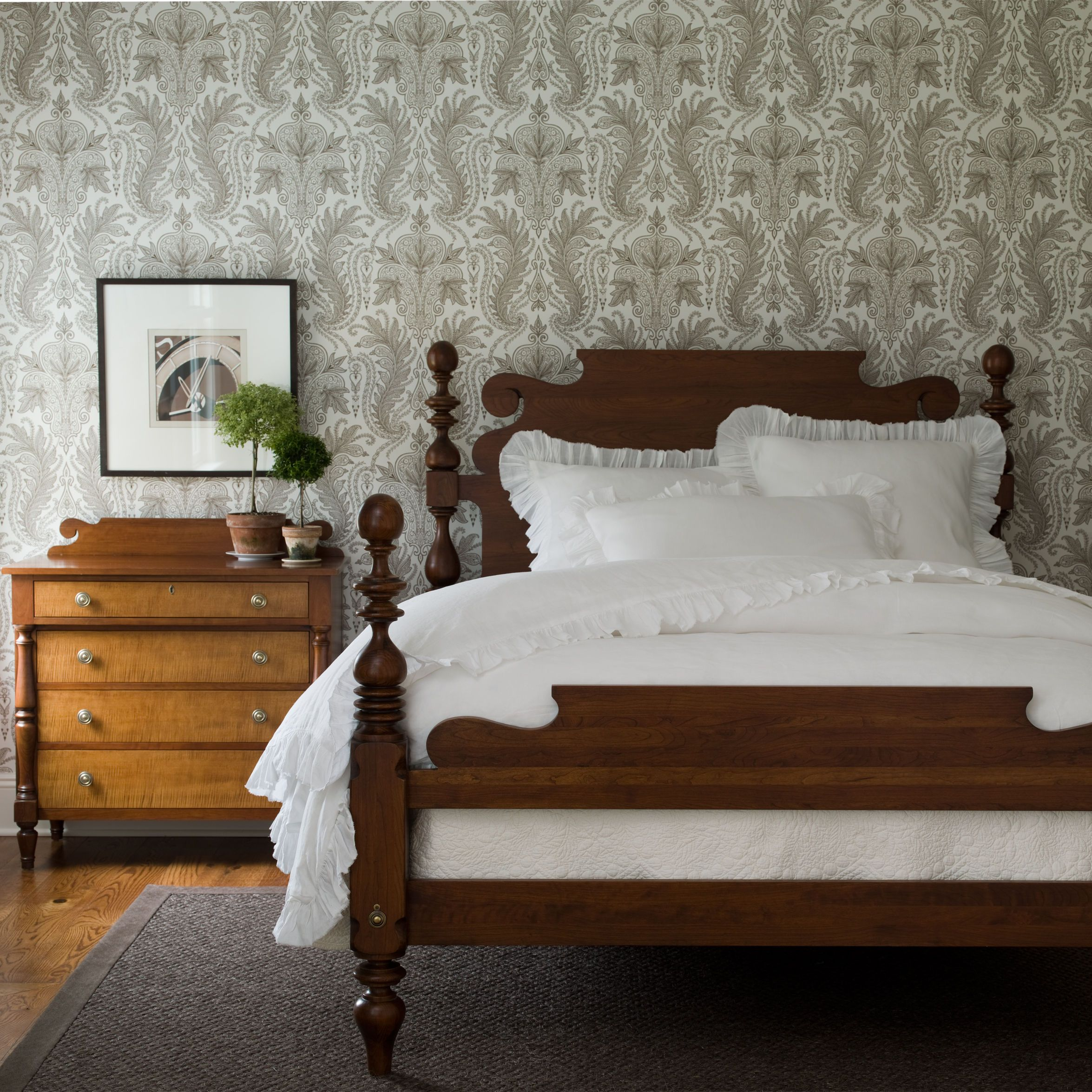 Quincy bed ethan allen us guest room bed the va house bedroom bed cannonball bed for Ethan allen country french bedroom