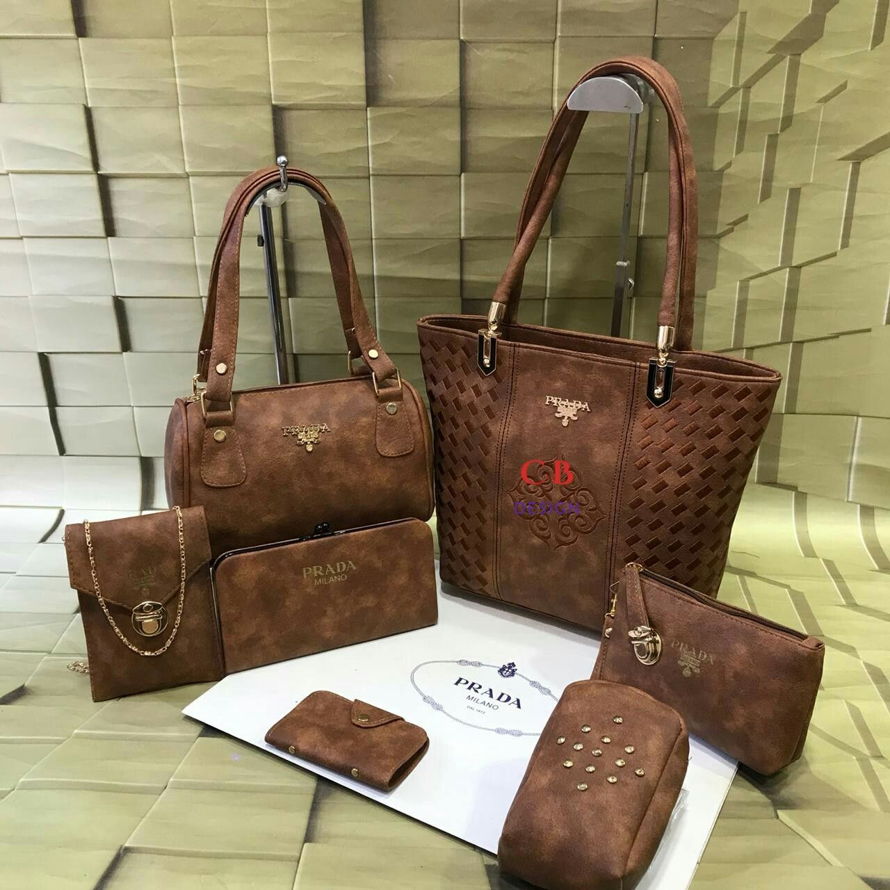 Pin by Manisha goyal on Accessories And Extras | Louis vuitton bag  neverfull, Prada, Tote