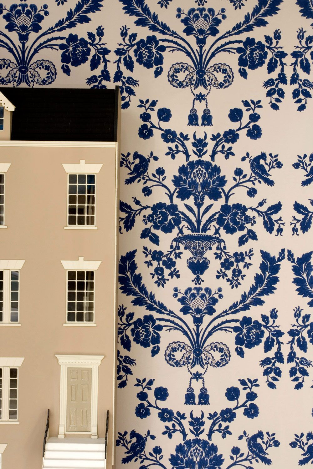 Wallpaper damask St. Antoine. and dollshouse