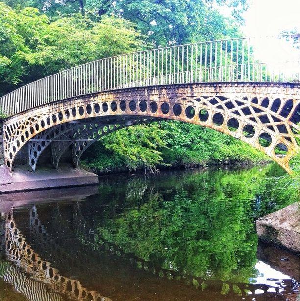 Linn Park, Glasgow, Scotland Oldest complete iron bridge in Glasgow built in 1835