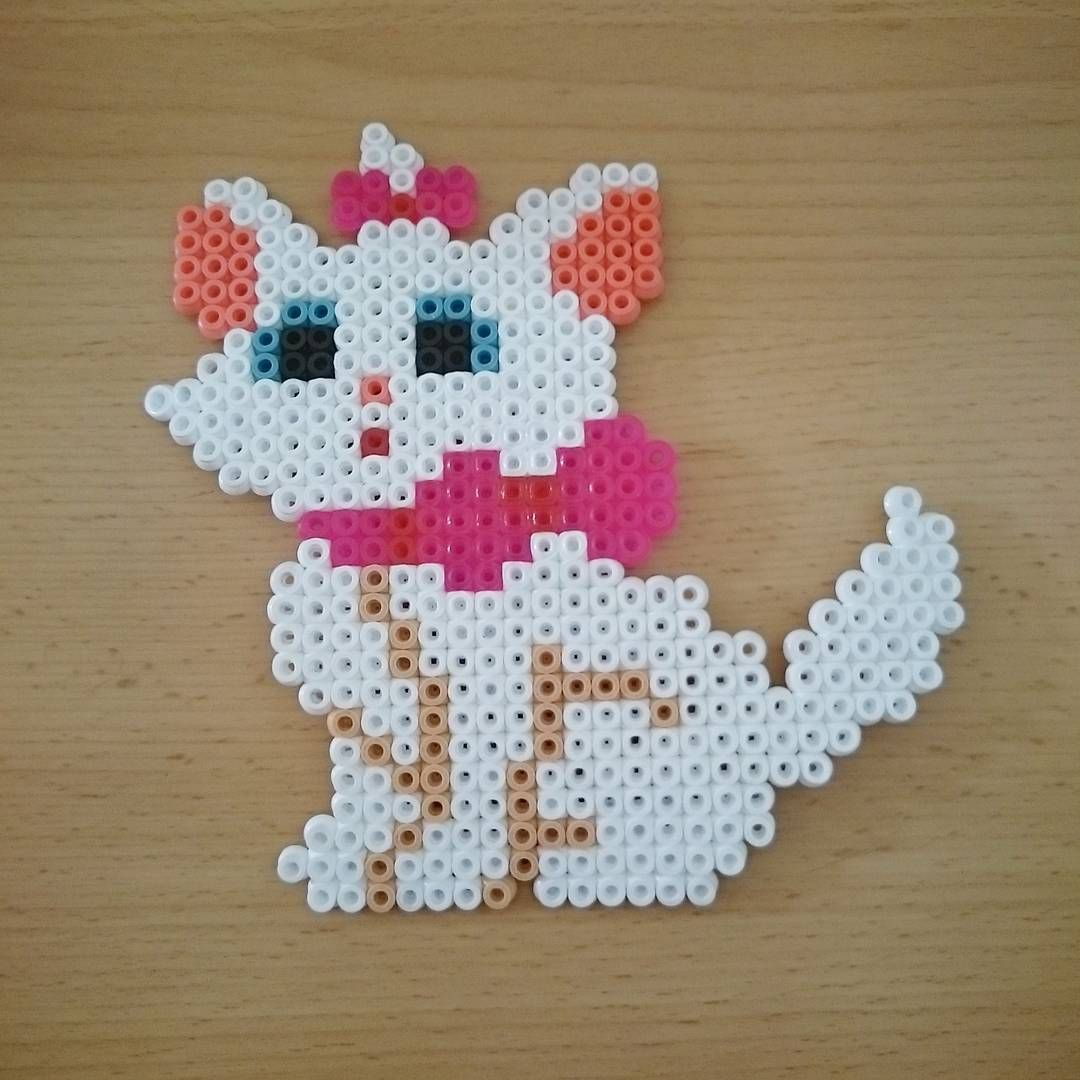 #aristocats #Marie #disney #cat #8bit #beads #beadsprite #beadsprites #pearls #handmade #artwork #pixelart #bügelperlen #hamabeads #pixel