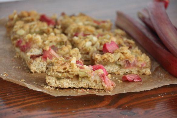 Rhubarb Crumble Slice