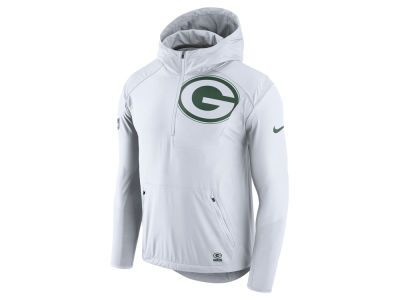 5c9f0280d5d4 The Green Bay Packers Nike NFL Men s Lightweight Fly Rush Jacket is perfect  to wear on