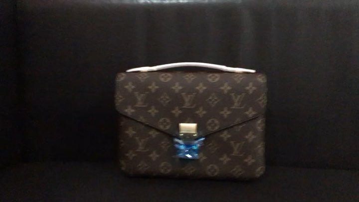 Free Presentation Discover His Secret Obsession  Be Irresistible  Louis Vuitton pochette metis