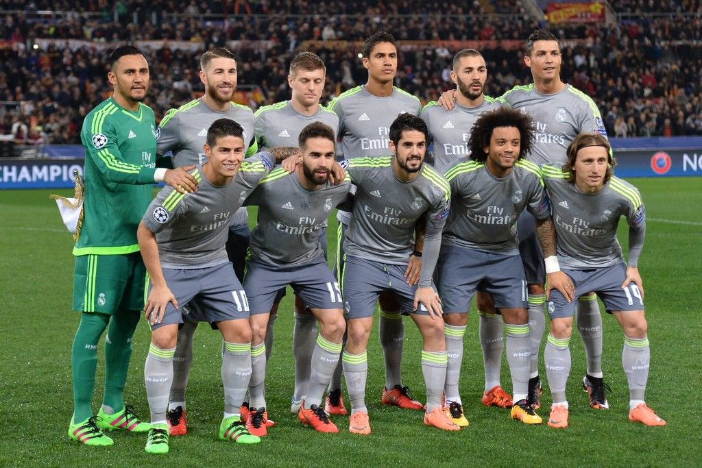 Real Madrid Line Up Prior To The Uefa Champions League Football Match As Roma Vs Real Madrid On Frebruary 17 2016 At The Olympic St Real Madrid Ronaldo Madrid