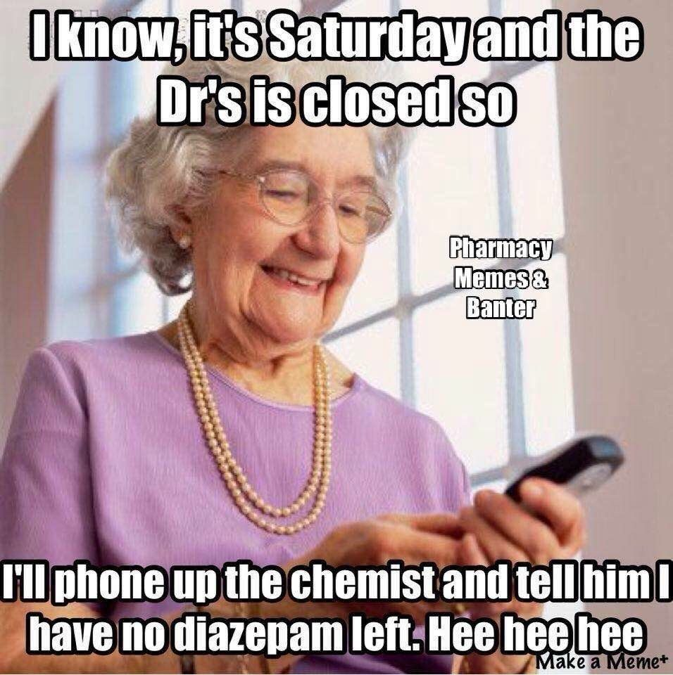 41 Pics And Memes That The Internet Birthed Funny Old People Old People Bones Funny