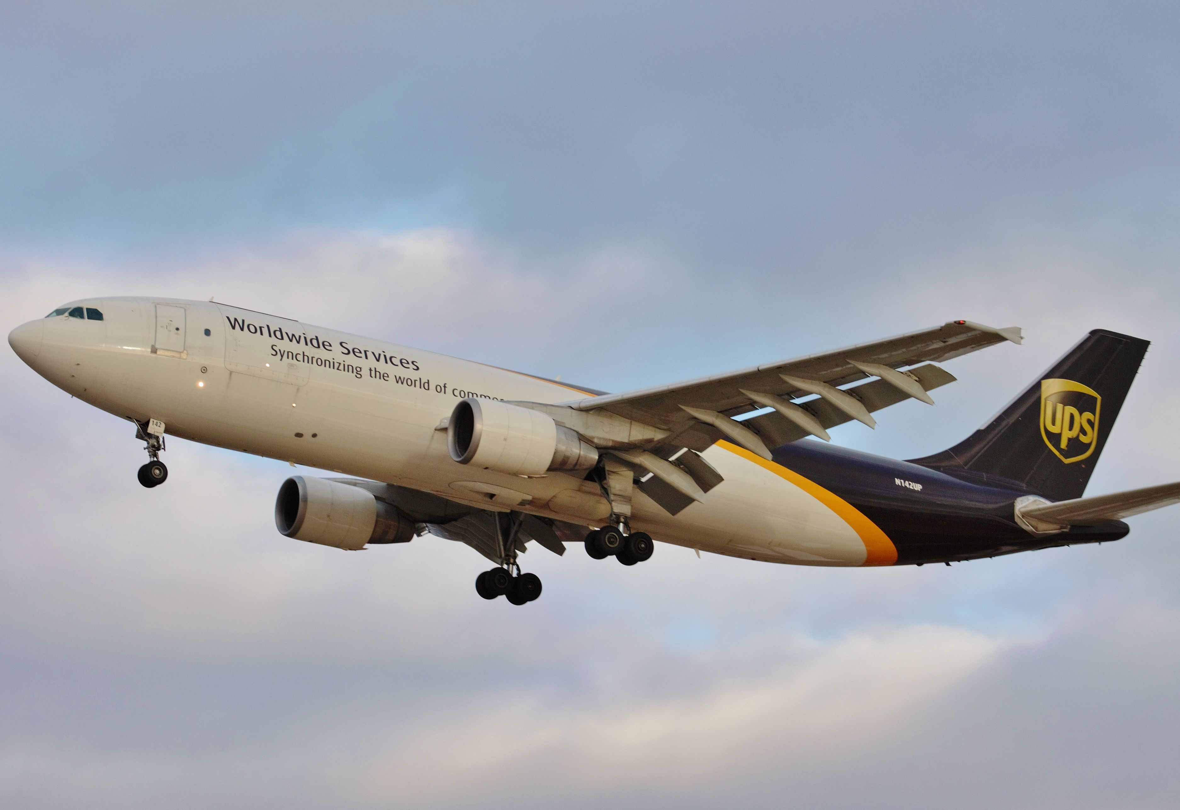 united postal services (ups) a300 AIRPLANES Pinterest