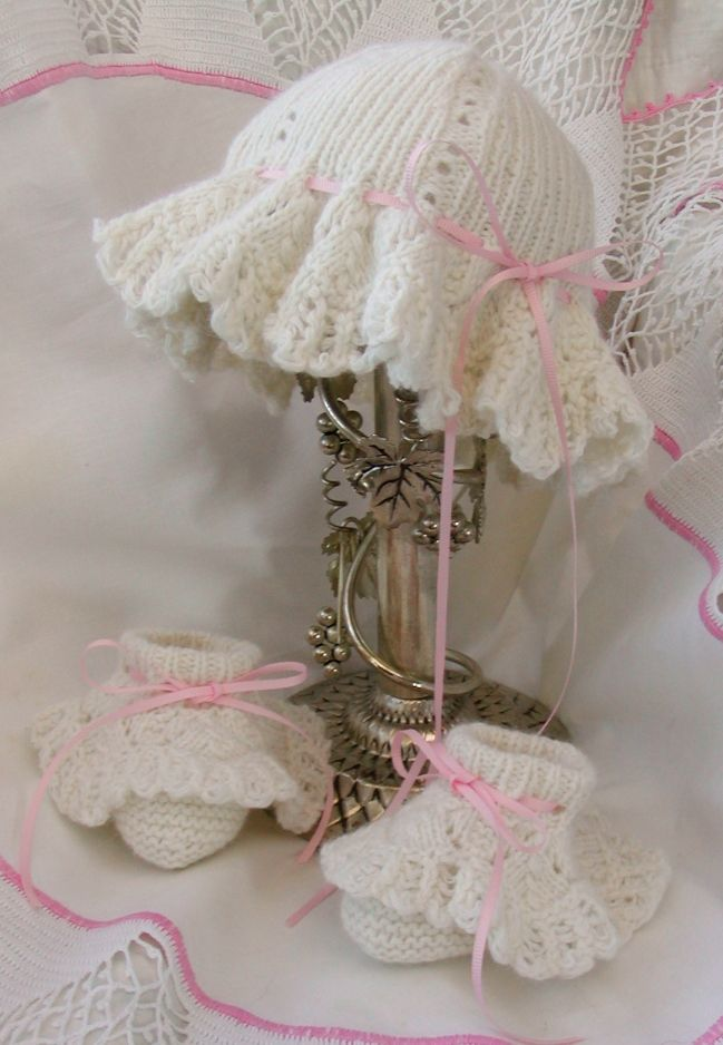 94c24e95f What a sweet Easter bonnet for baby or toddler! Easy lace knit