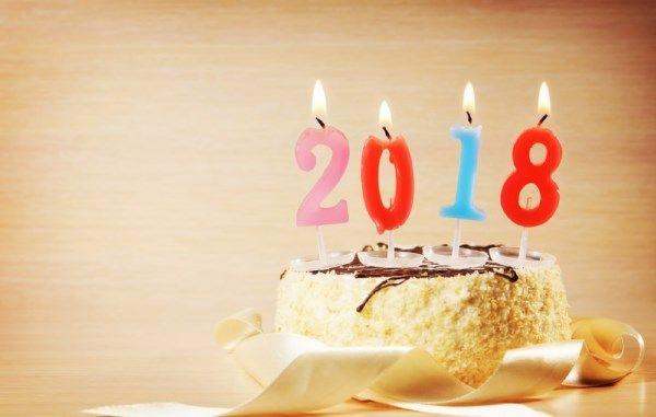 صور تهنئة 2018 أجمل الصور والرسائل الرومانسية عن راس السنه مجلة انا حواء Happy New Year Wallpaper Happy Birthday Wishes Happy Birthday Wishes For Her