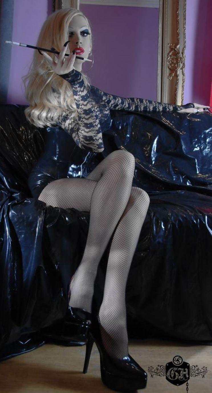 Transvestite domina uk