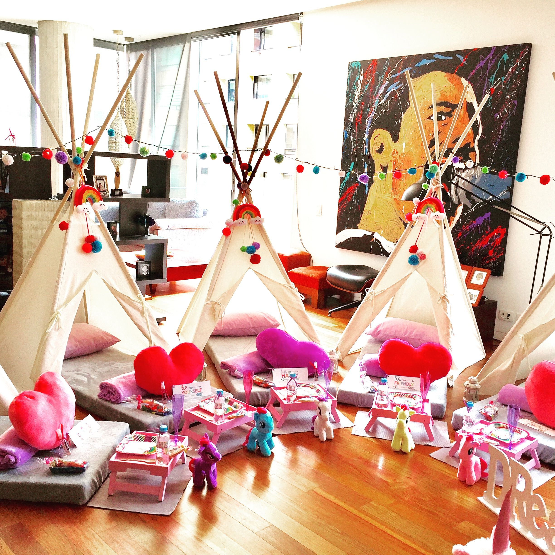 8d4d96018 SleepOver  Fiesta de Pijamas  Pijama Party  Teepees  Cabinas ...