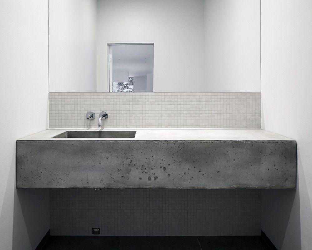 -  Fourfoursixsix Architects