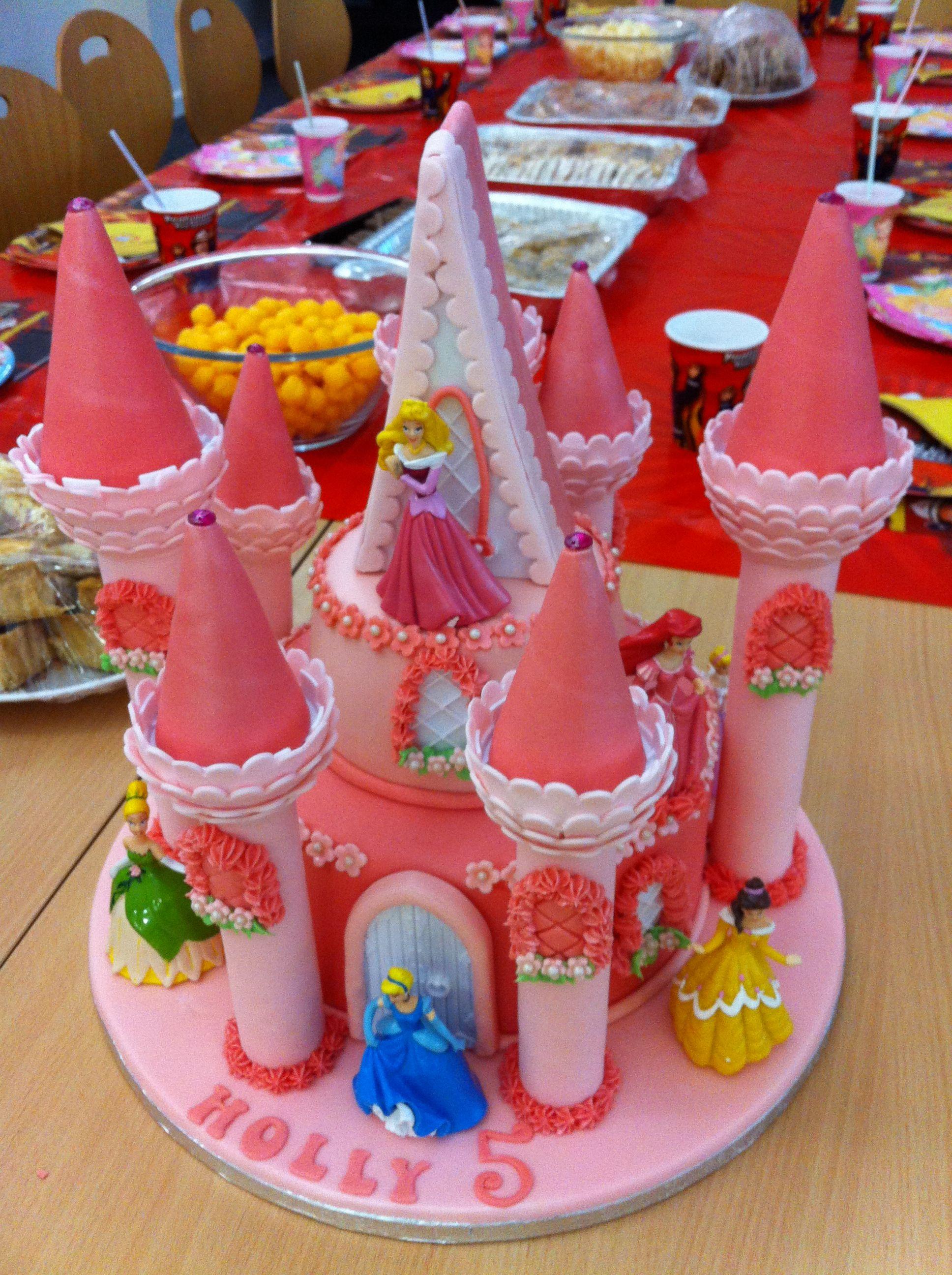 princess cake using the wilton dream castle kit   princess bday