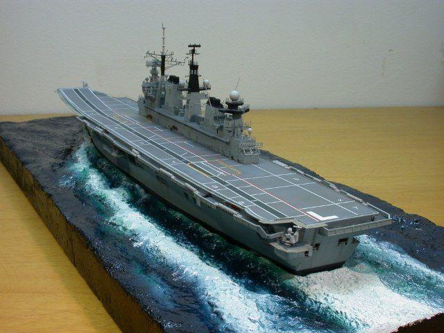 Das fertige Schiff noch mit nacktem Deck