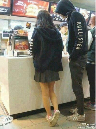 Image of: Hugging couple casal korean cute Tumblr Couple casal korean cute Couple Ulzzang Couple Korean Couple